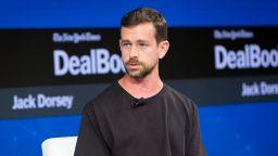 Създателят на Twitter дарява 1 милиард долара за борба с коронавируса
