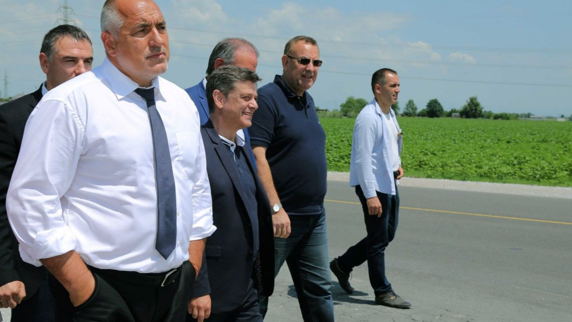 Премиерът инспектира ремонта на автомагистралата