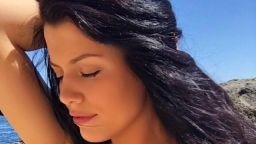 Бременната Ралица Паскалева с морска фотосесия (снимки)