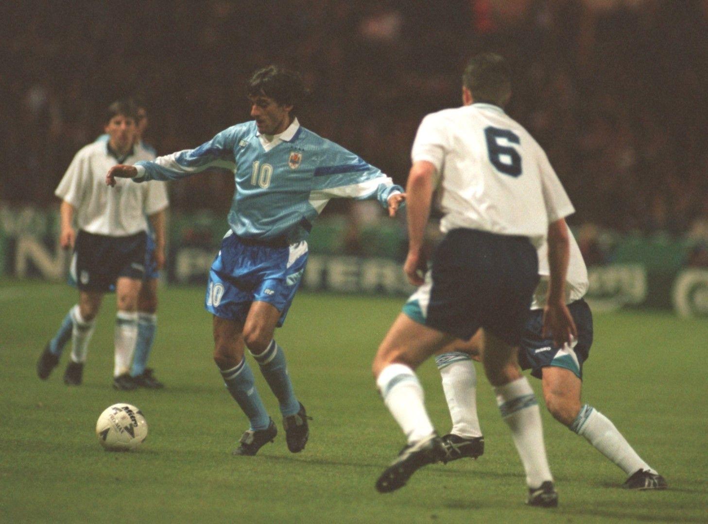 Енцо Франческоли е идол на феновете от няколко поколения. Зинедин Зидан е израснал, обожавайки плеймейкъра на Уругвай, като френската легенда кръсти първото си дете на него. Снимка: Getty Images