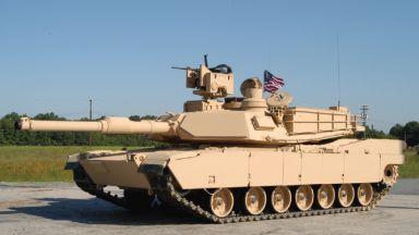 Руски Т-80 се срещна с американски Abrams на учения