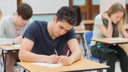 Настояха да се върне оценката за възпитание на учениците