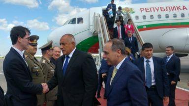 Борисов пристигна в Москва, носи на Путин позлатена икона