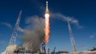 """Авария с руската ракета """"Союз"""" доведе до аварийно приземяване на двама космонавти"""
