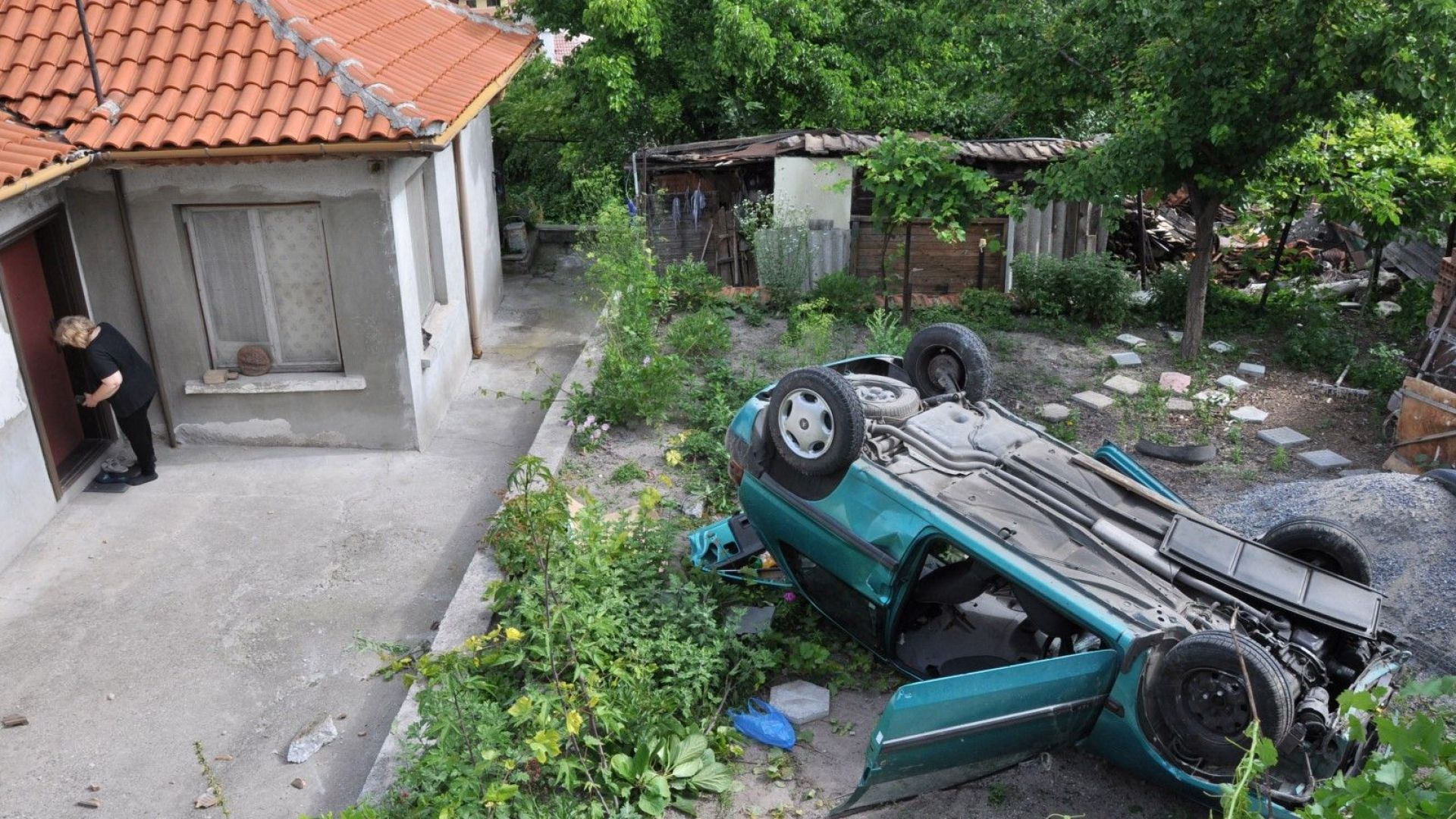 Шофьорката Петя Иванова загубила управлението над автомобила заради несъобразена скорост