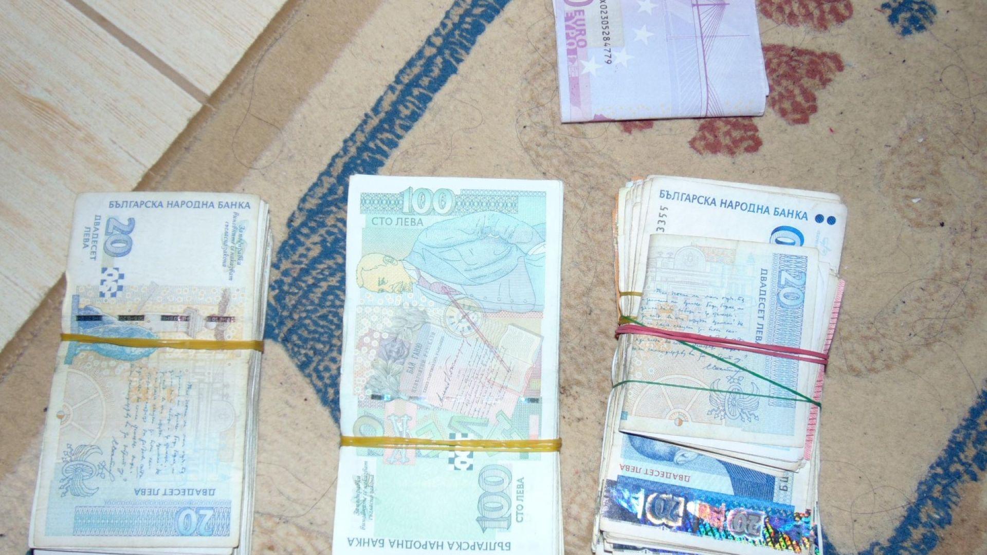 Телефонни измамници върнаха парите на 9 възрастни жени от Сливен