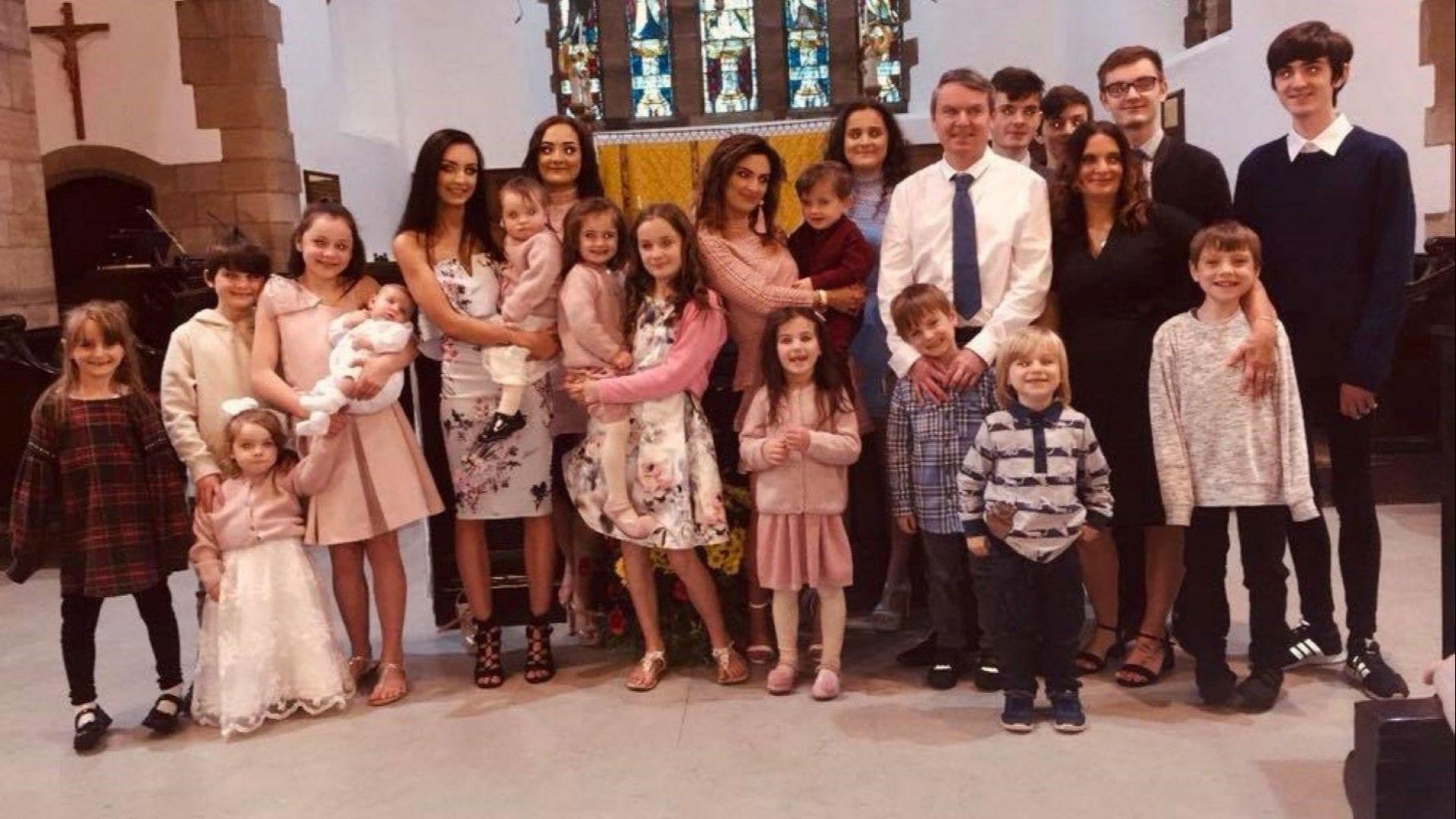 Съпрузи във Великобритания чакат 21-во бебе (видео)