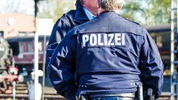 Германски полицай застреля пенсионер, извадил предмет от джоба си