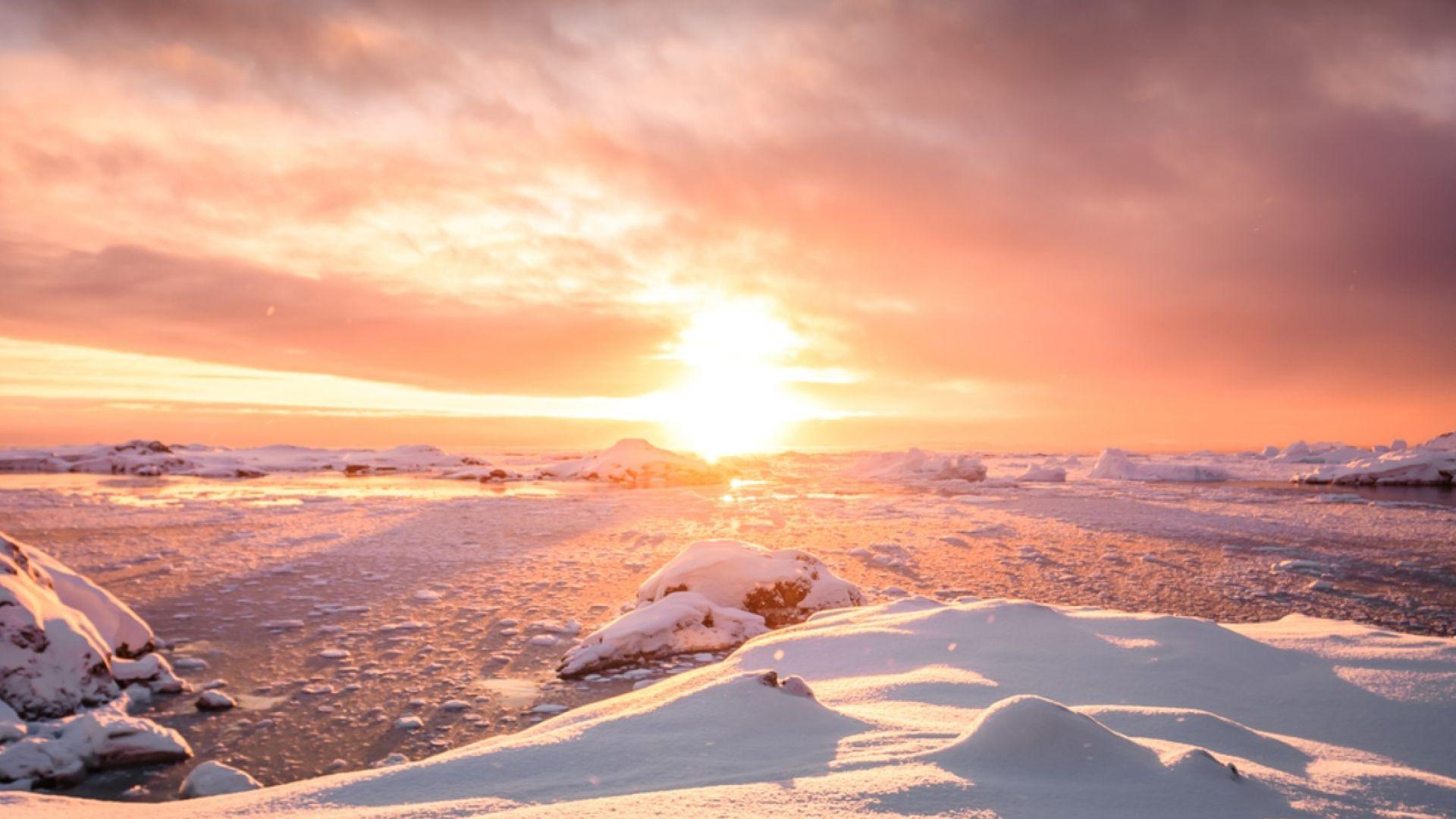 Откриха гигантски каньони под леда в Антарктида