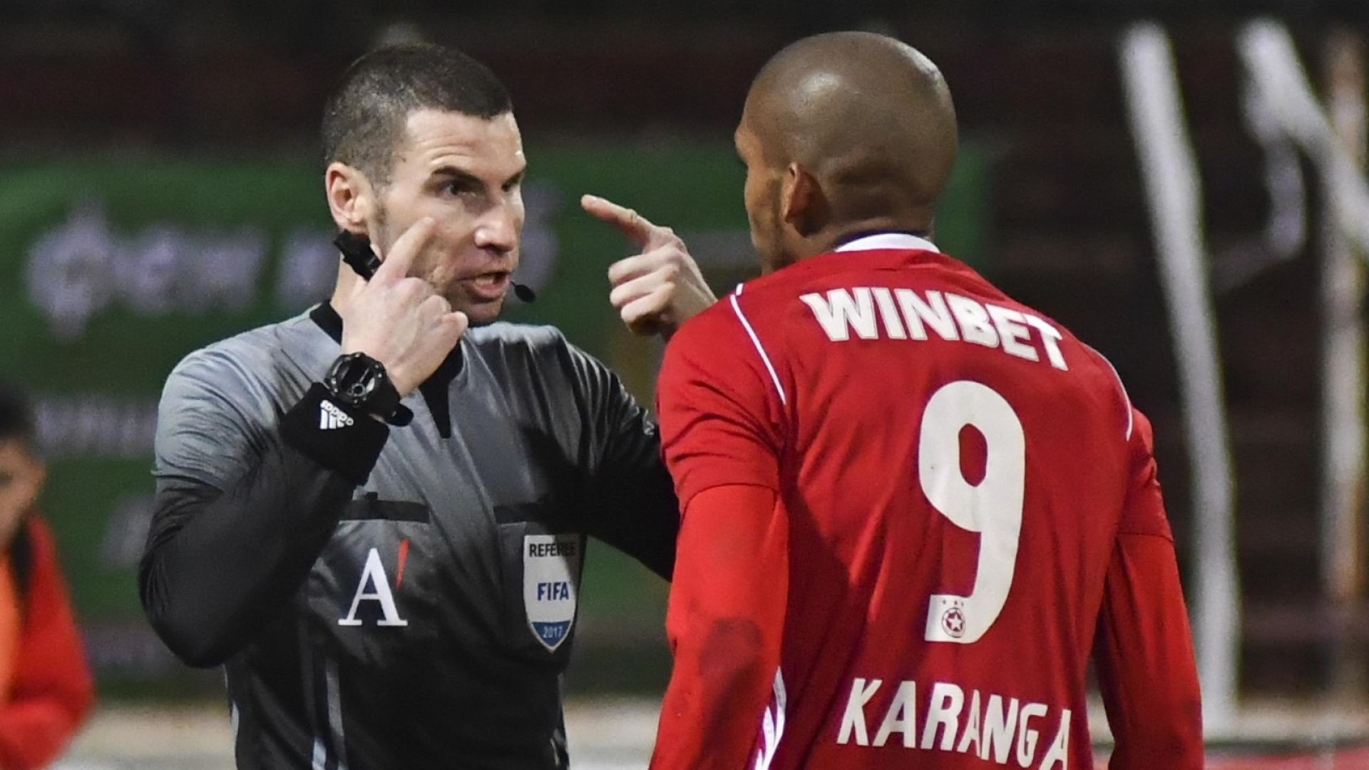 УЕФА качи роден рефер в първата си категория