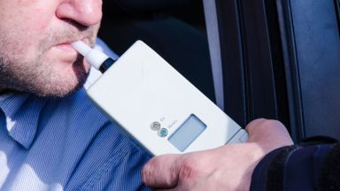 Задържаха шофьор на автобус с деца с 1,99 промила алкохол