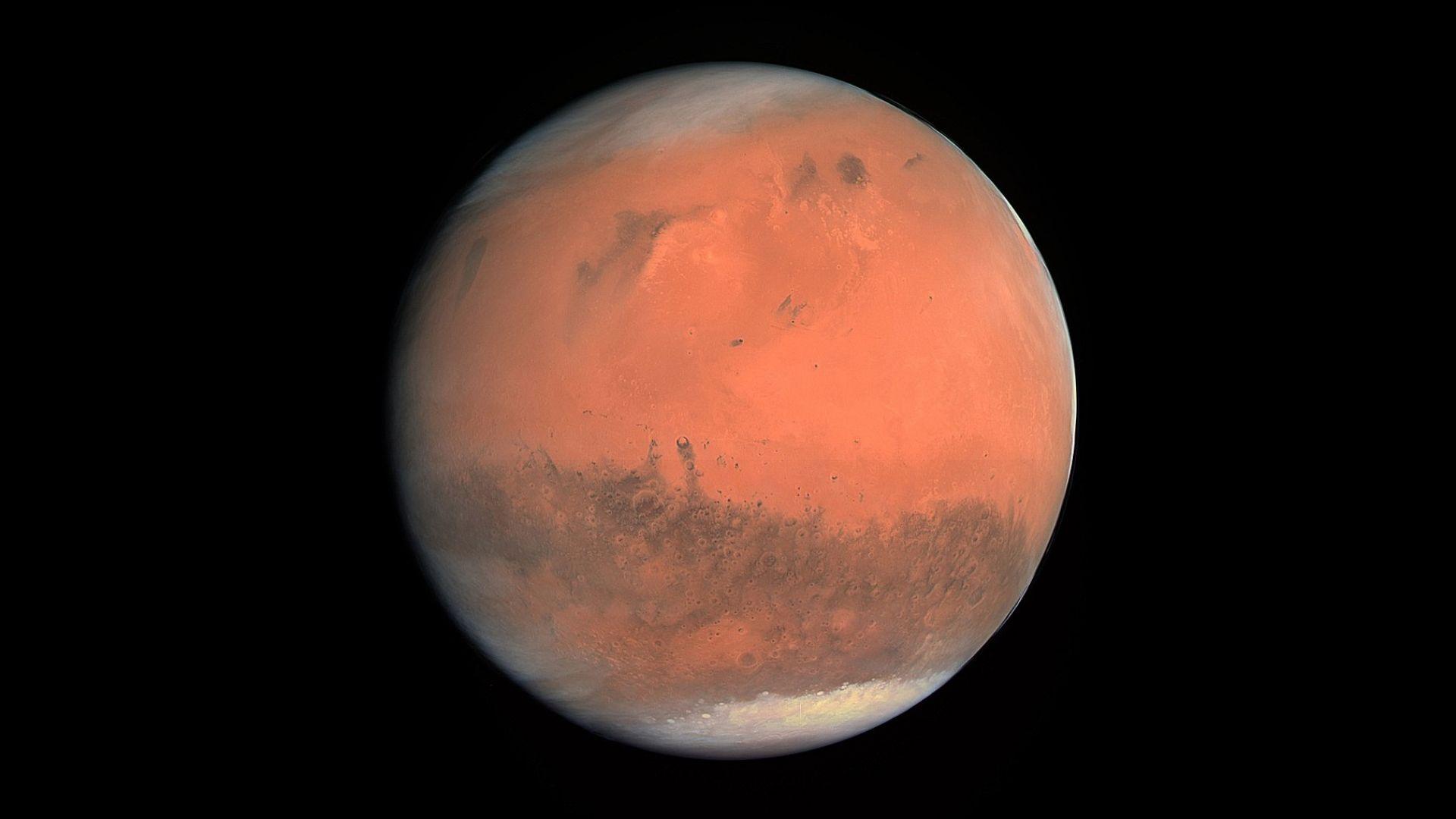 Това лято Марс ще е рекордно близо до Земята