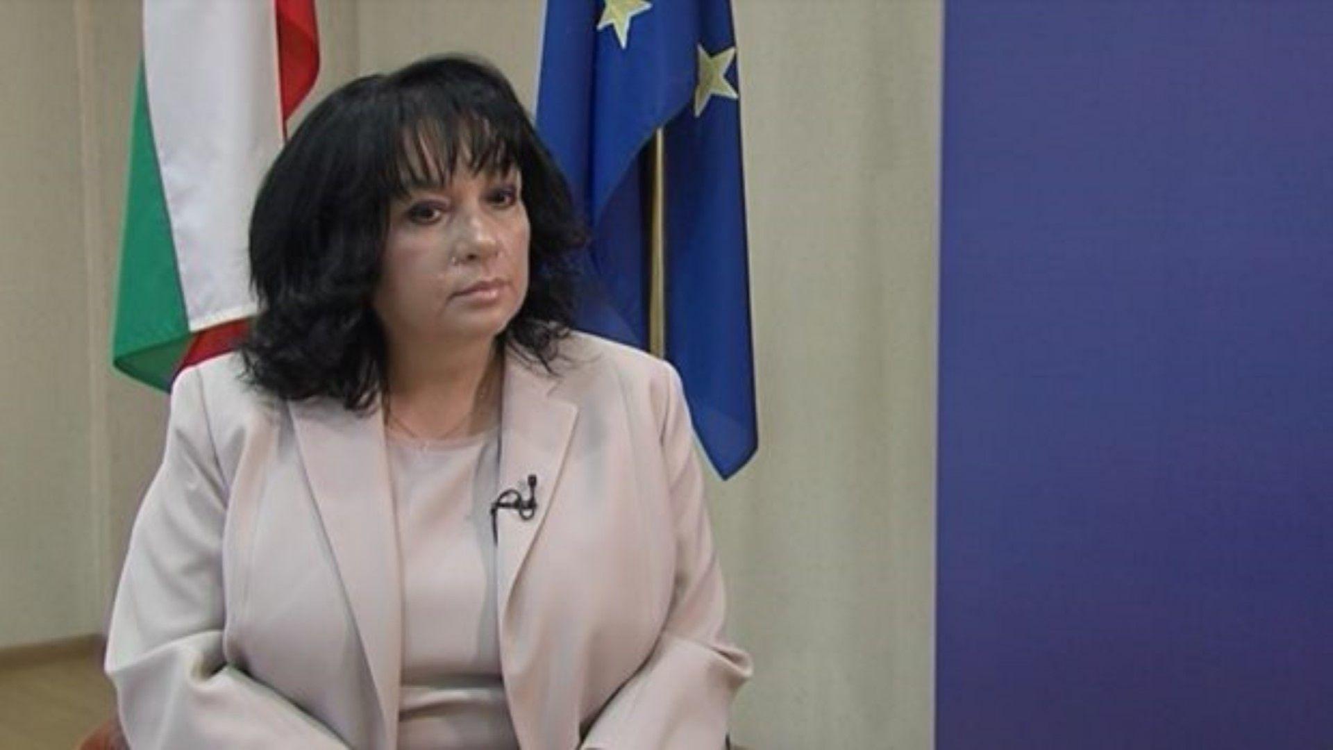 """Петкова разкрива какво да очакваме за """"Белене"""" и """"Турски поток"""""""