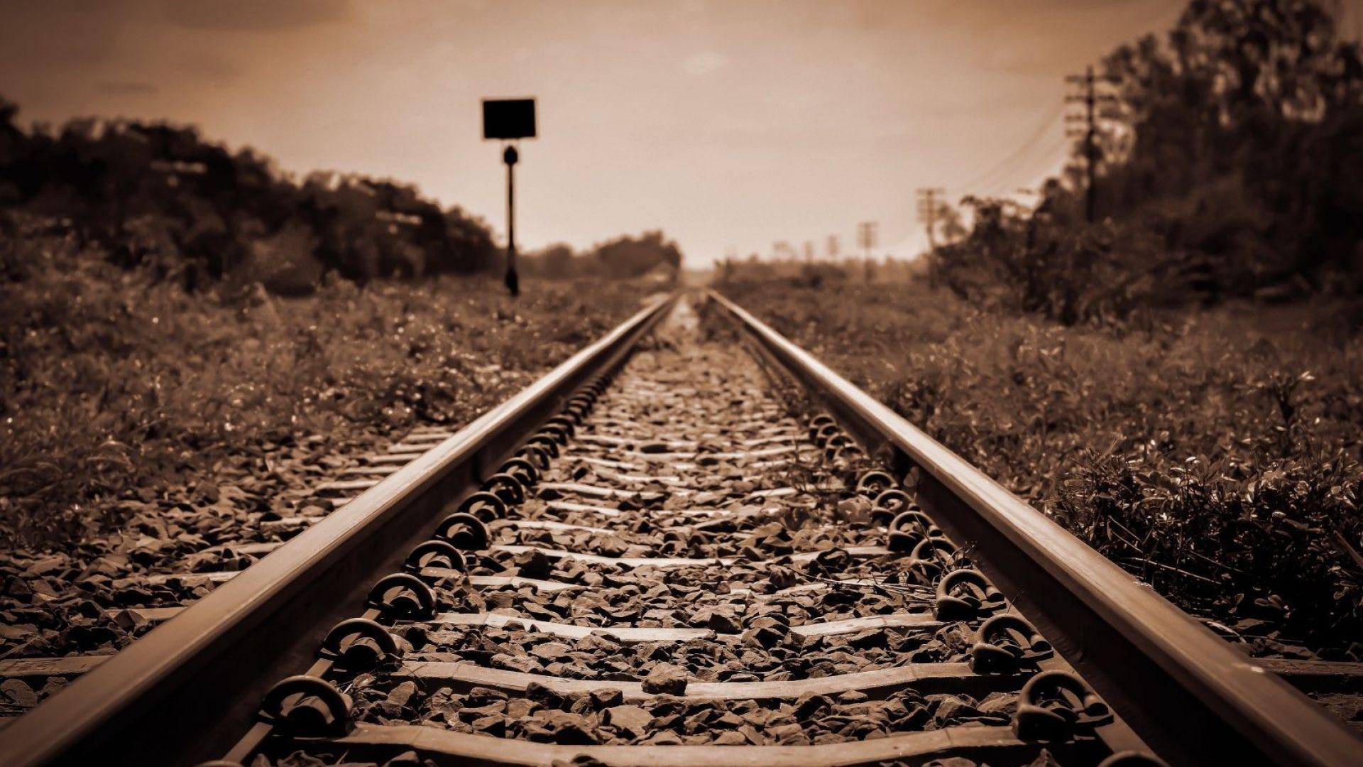 БДЖ спира 14 пътнически влака