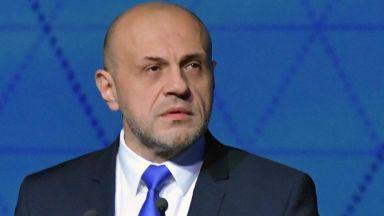 Хелзинкският комитет към Дончев: Разграничете се от съпругата си или подайте оставка