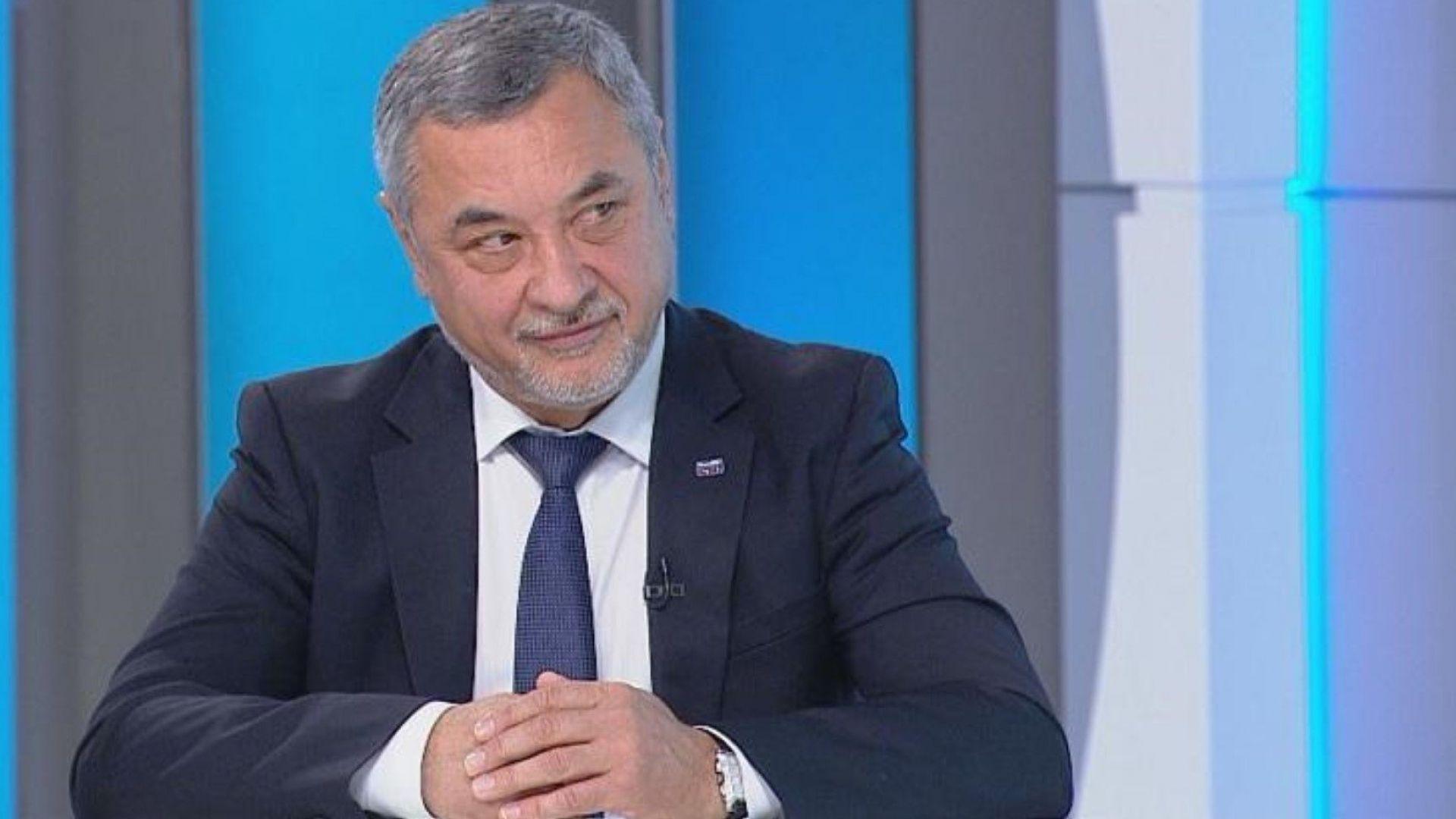 """Симеонов не се отказва - дава на прокурор """"незаконно строителство"""" на Какао бийч"""