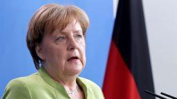 Вътрешният министър на Германия с ултиматум към Меркел