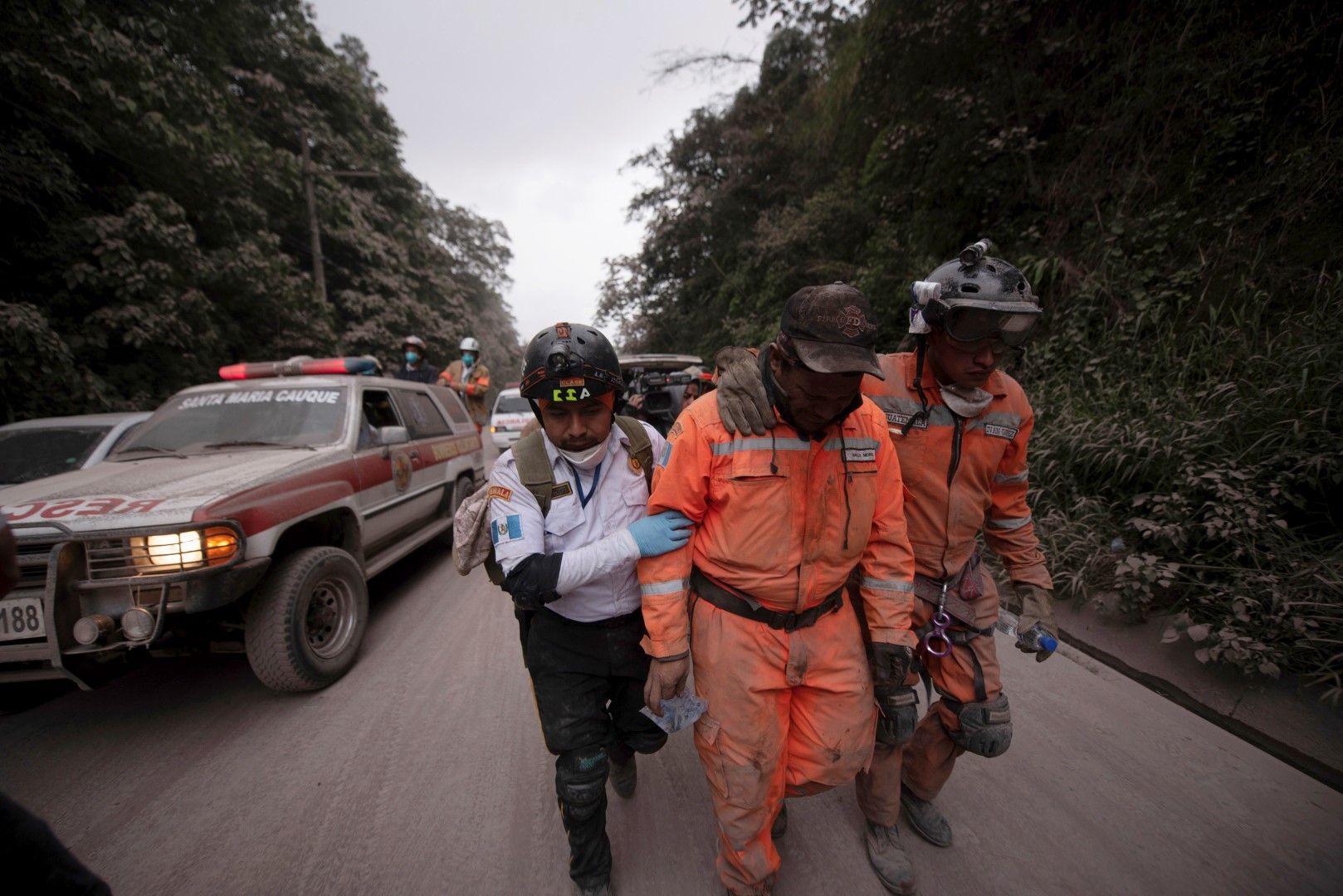 Спасителната операция продължава с издирване на изчезнали