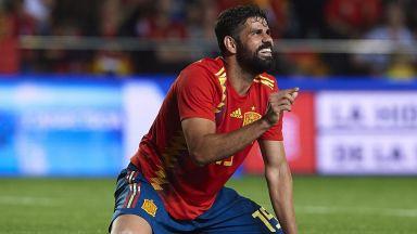 Испания не убеди, но продължава рекордната си серия