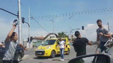 Масов бой в София заради кон със счупена каруца, мъж е ранен
