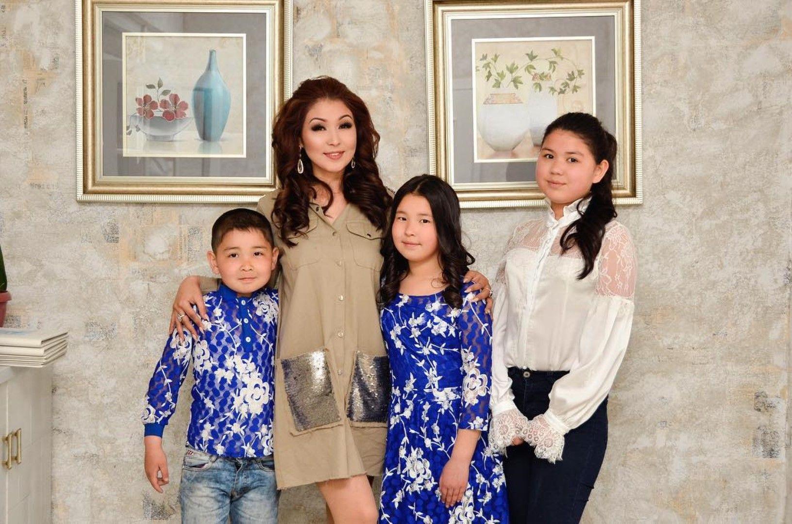 Сания Шакирова с децата си