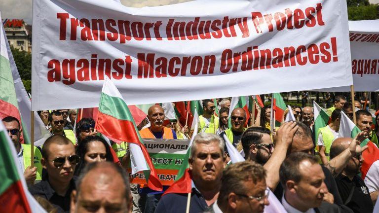 """Превозвачите искат напускане на ЕС, ако мине законът """"Макрон"""""""