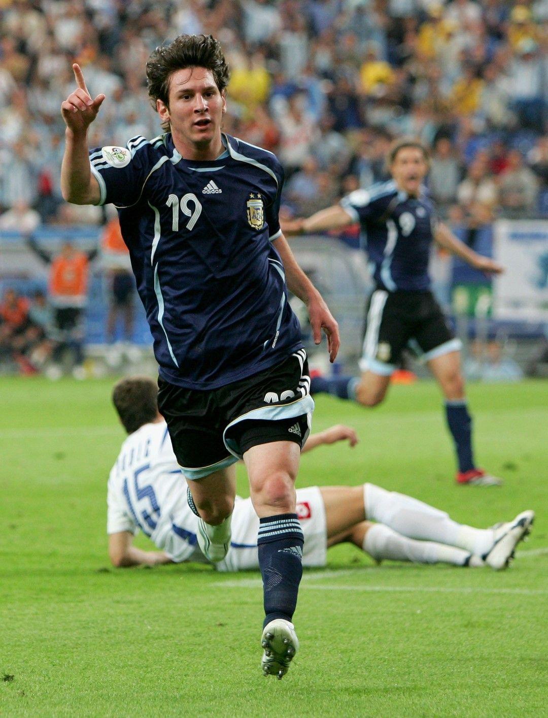 2006 г. Меси, добре дошъл в големия футбол с гол срещу Сърбия на Мондиала