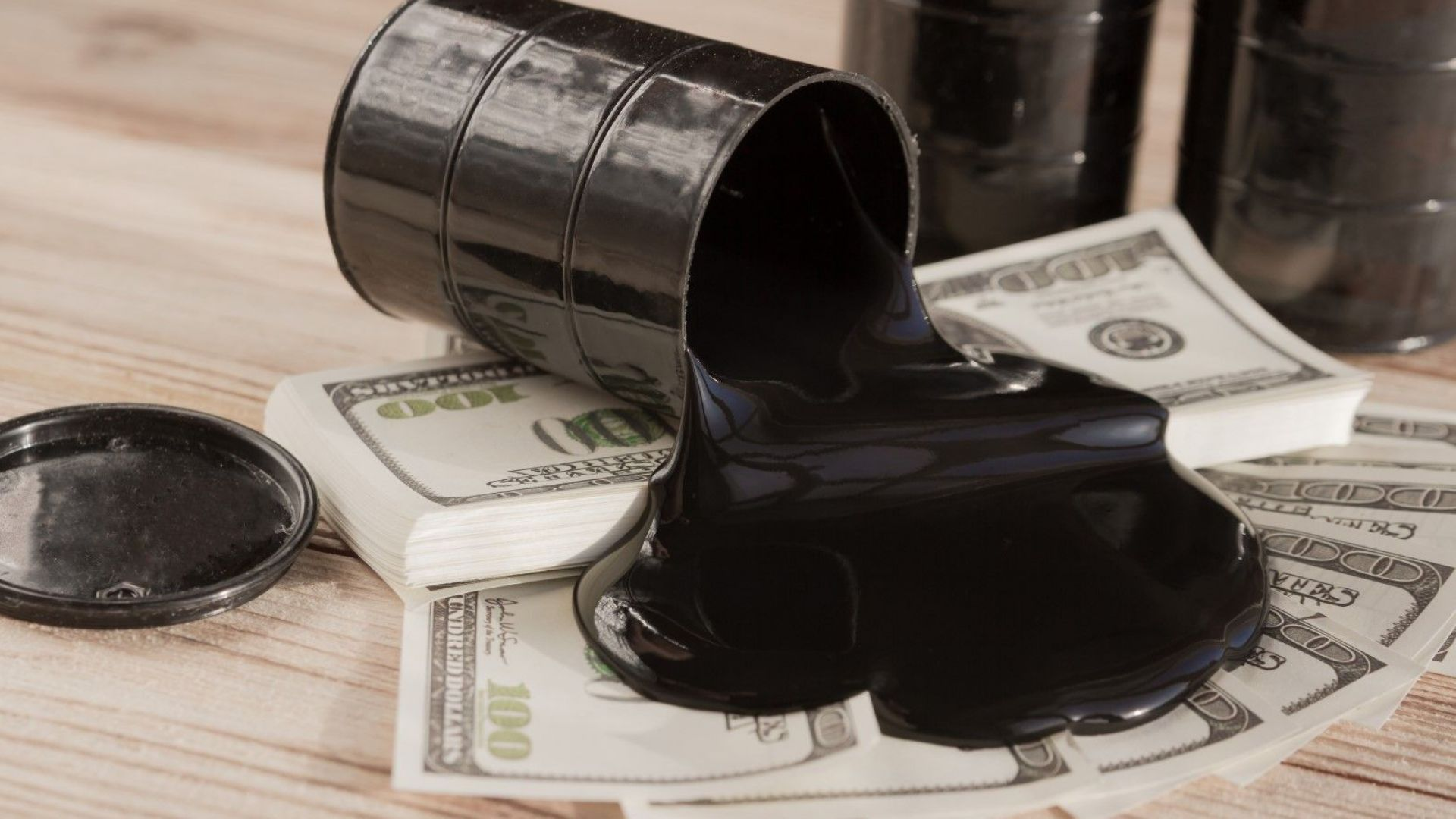 Петролът на ОПЕК поевтиня до $72.8 за барел