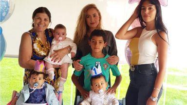 Роналдо пропусна първия рожден ден на близнаците (снимки)
