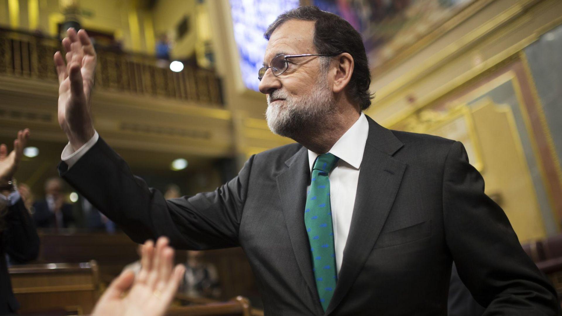 Мариано Рахой напуска окончателно политиката