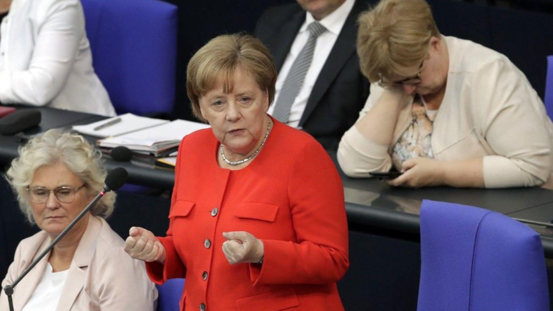 Парливи въпроси към Ангела Меркел