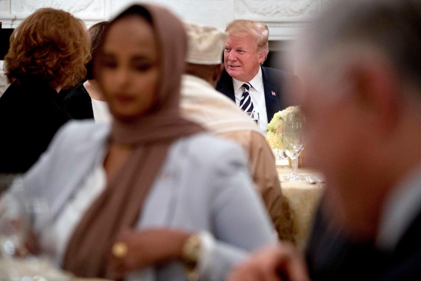 Събрали сме се да почетем една свещена традиция, каза президентът