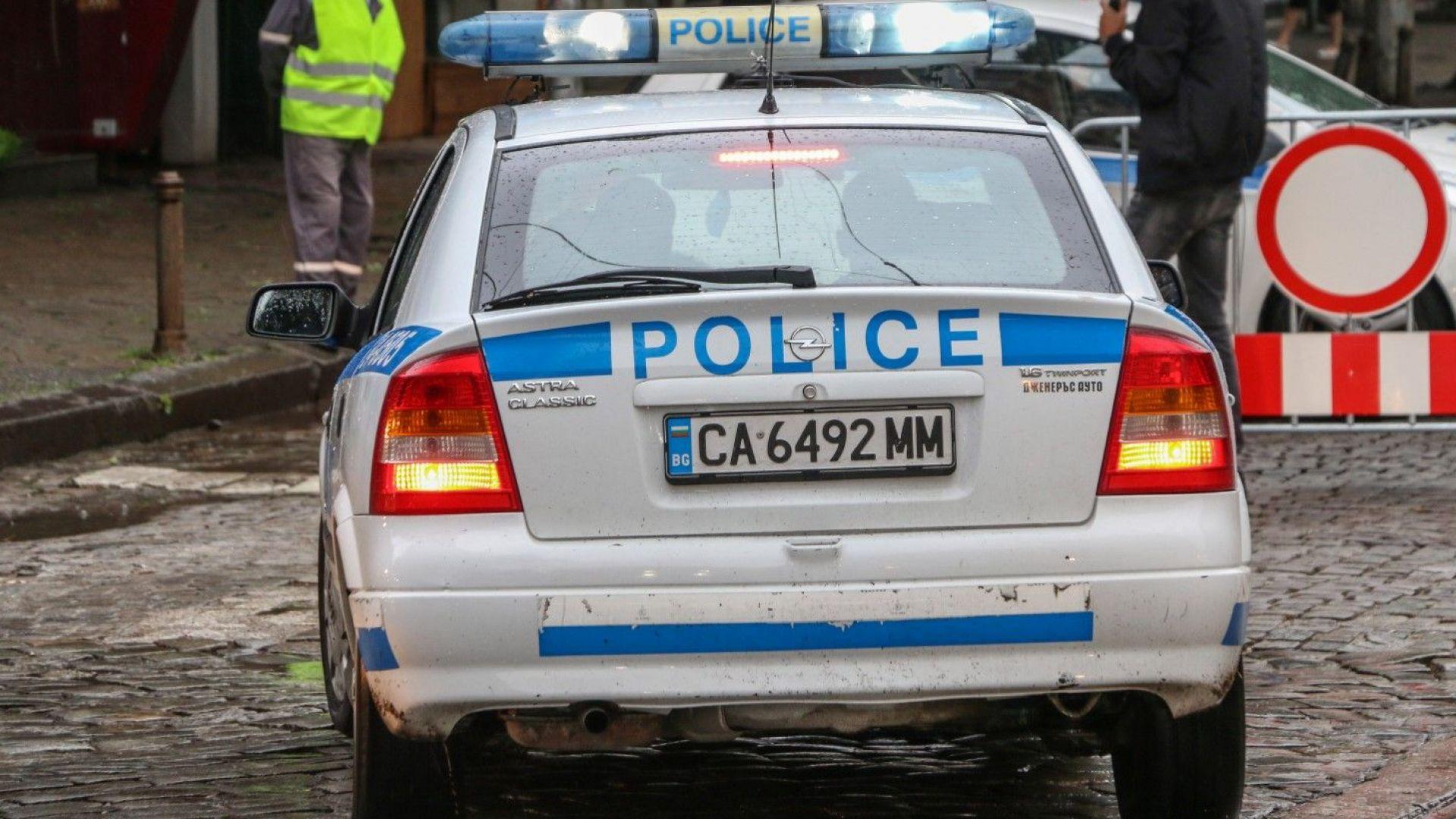 Двама полицаи са ранени при гонка с пиян шофьор в София