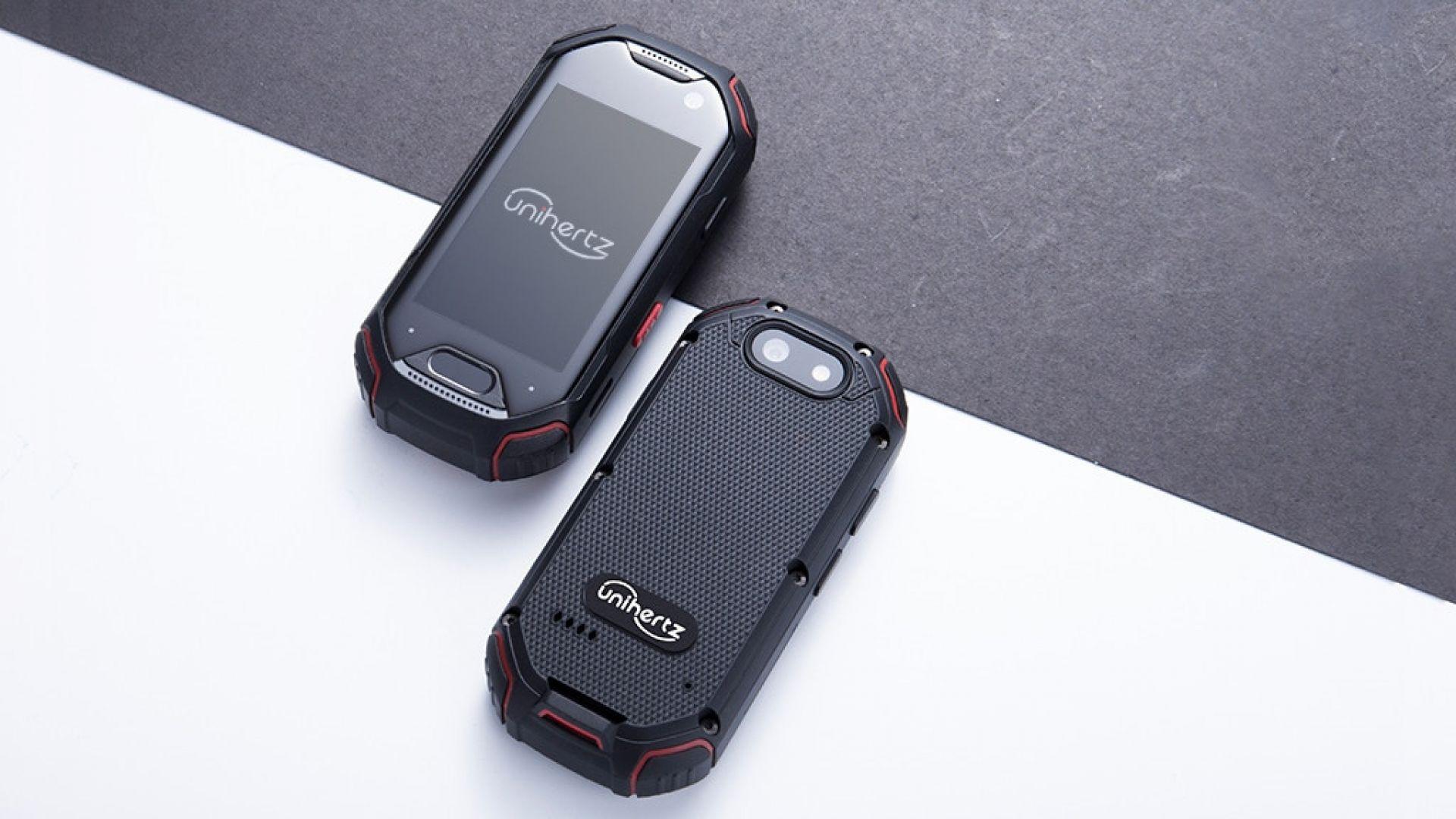 Най-малкият в света смартфон със скенер за пръстови отпечатъци