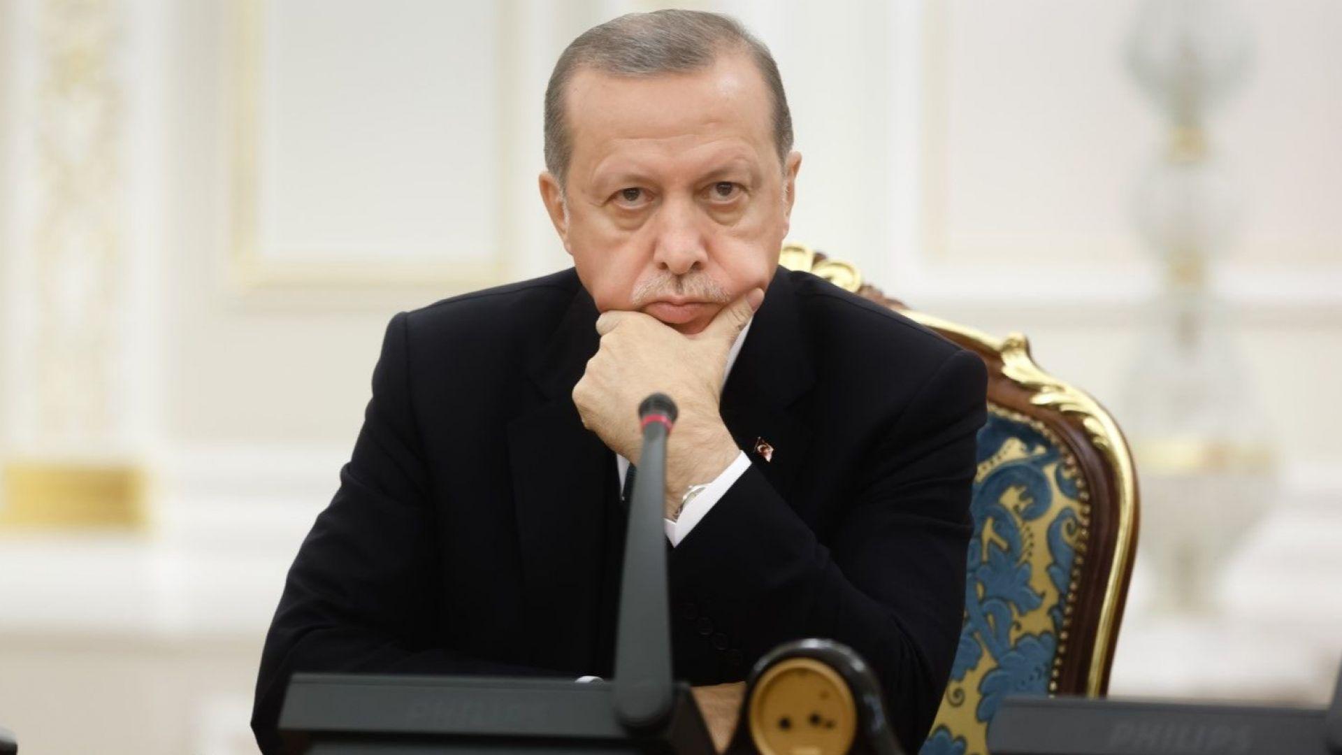 """От Турция: """"Вече всеки ден извънредно положение"""""""