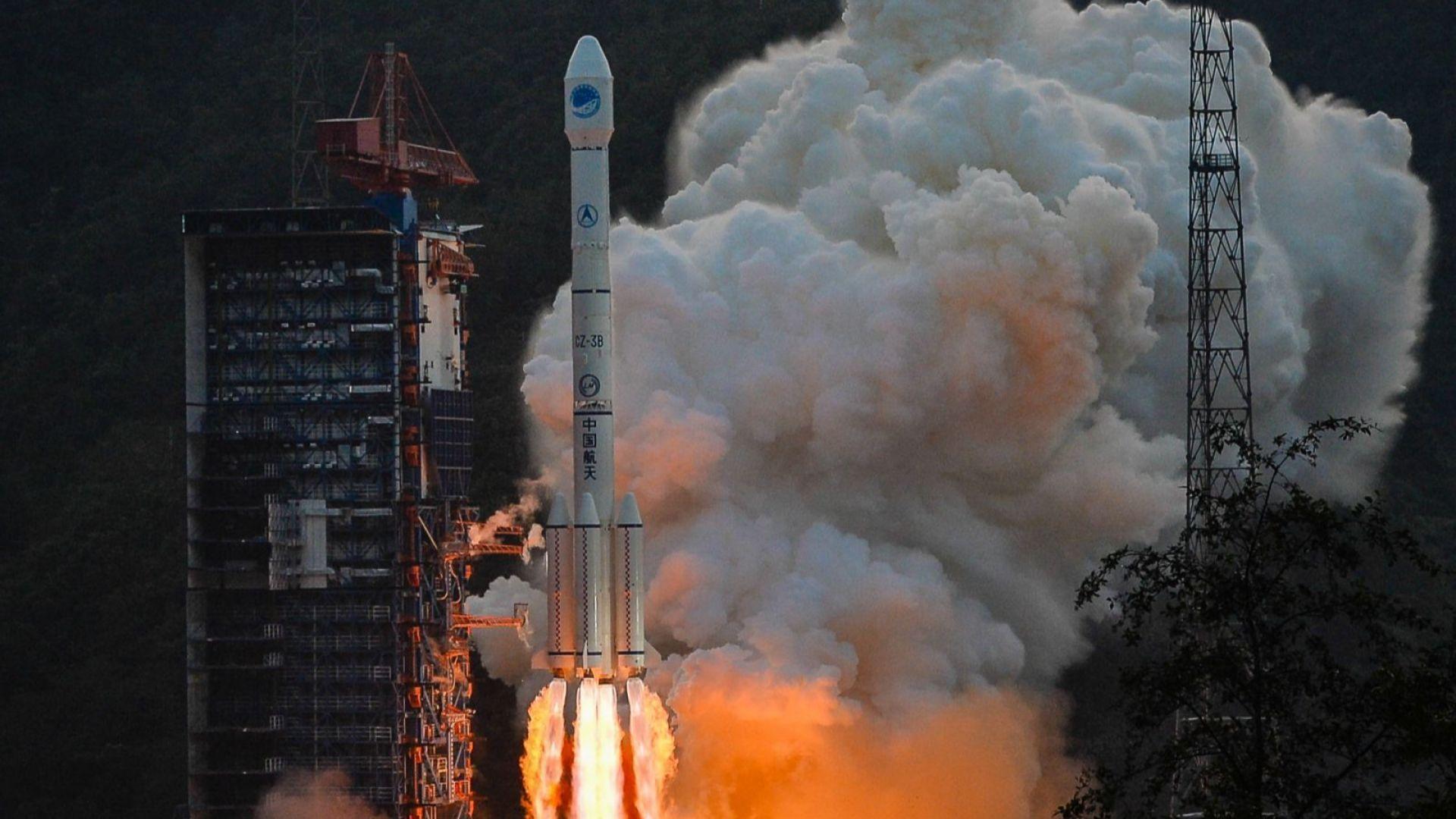 Китай с първия ракетен старт за годината (видео)