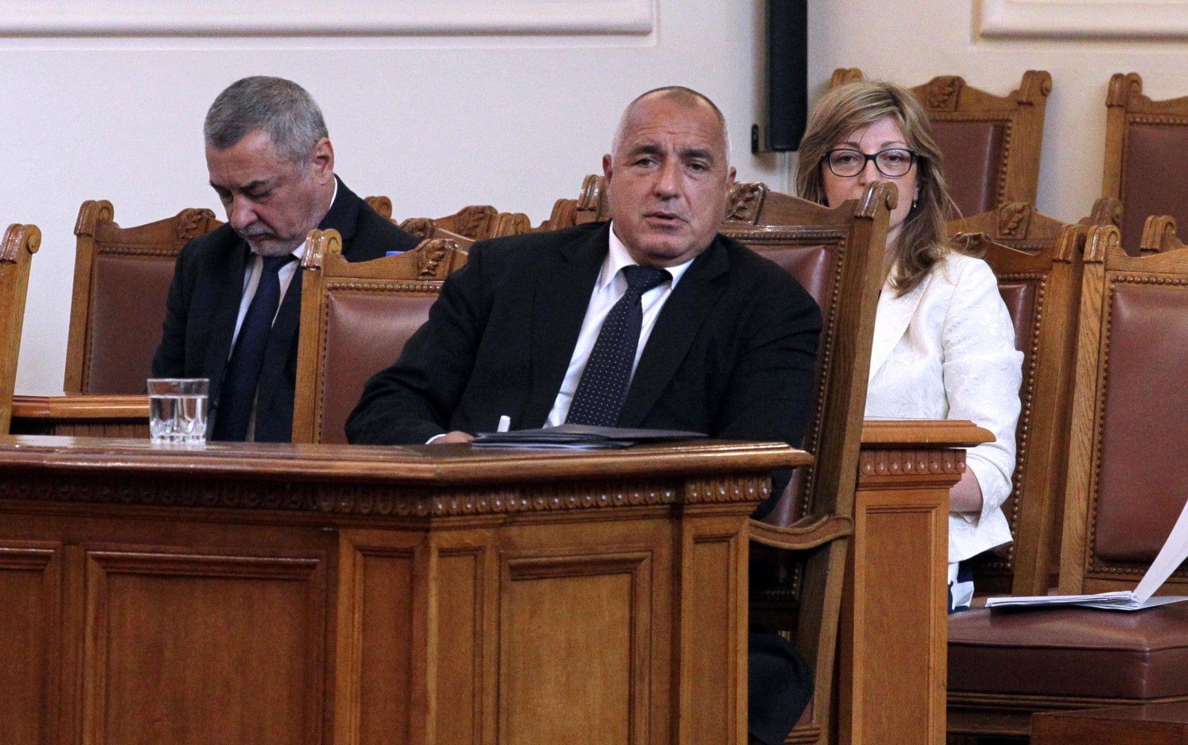 Борисов отговаря на въпрос по време на парламентарния контрол за първи път от 11 месеца