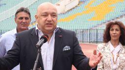 Спортният министър размаха пръст към ръководството на волейбола