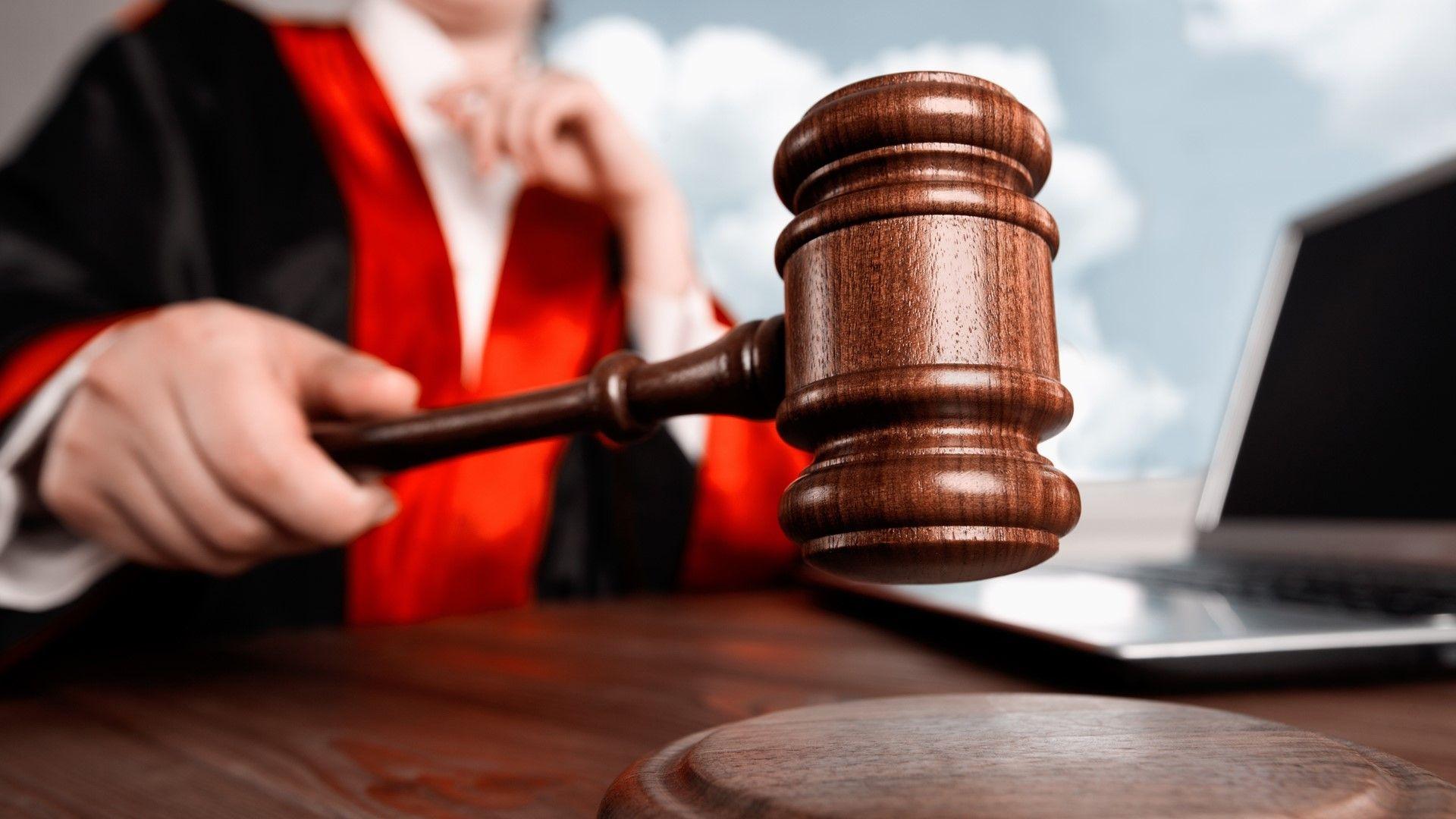 Съдят социална работничка за измама в дом за незрящи хора