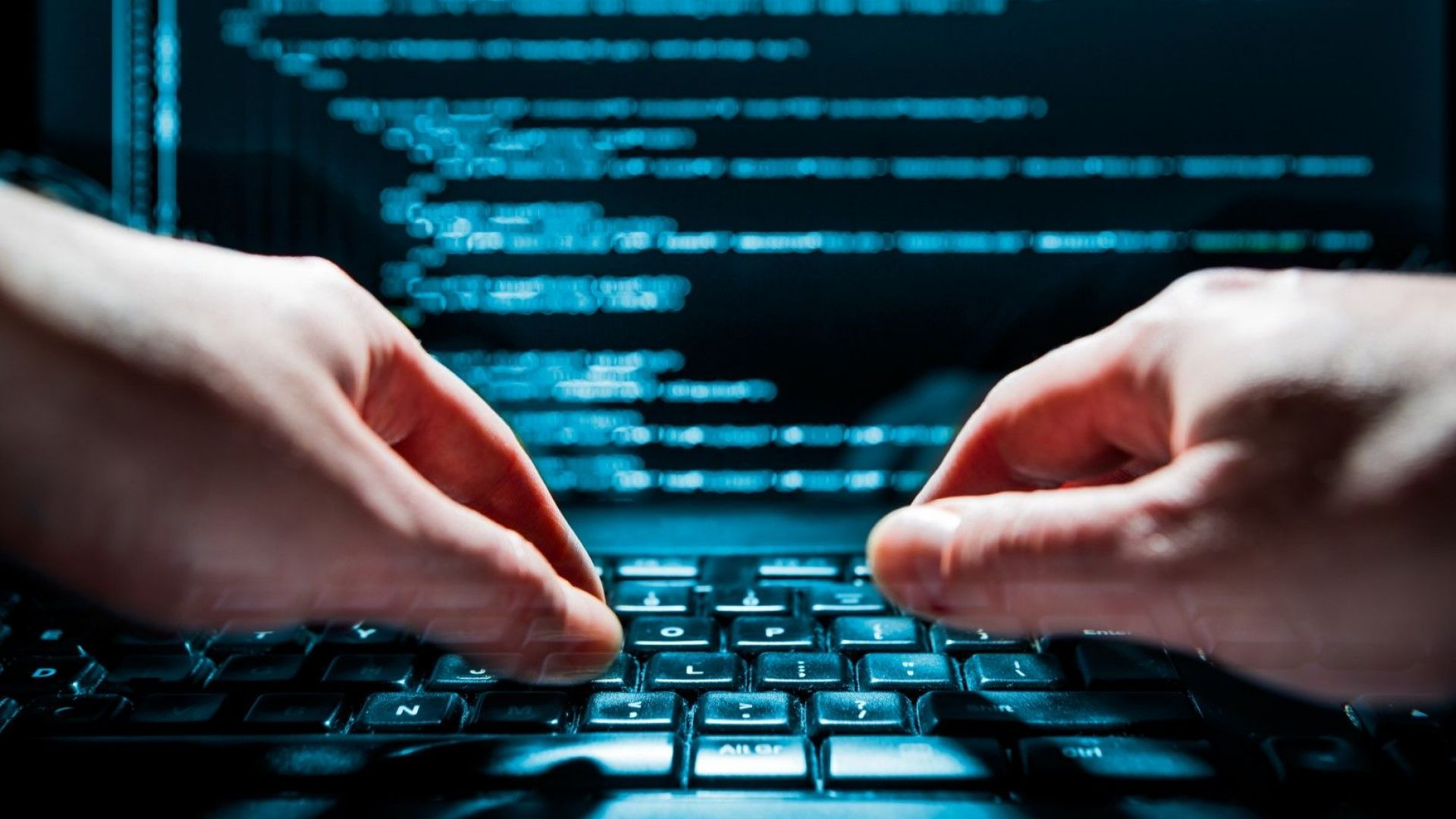 САЩ и Европа обвиниха 10 души за хакерските атаки срещу хиляди компютри и кражба на $100 млн.
