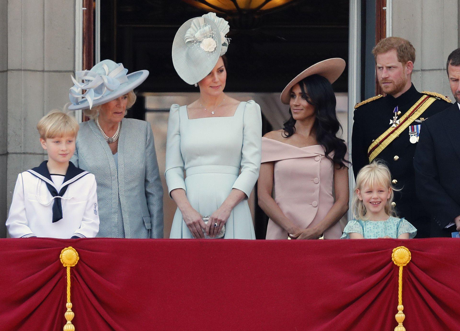Първа поява на Принц Хари и Меган след сватбата