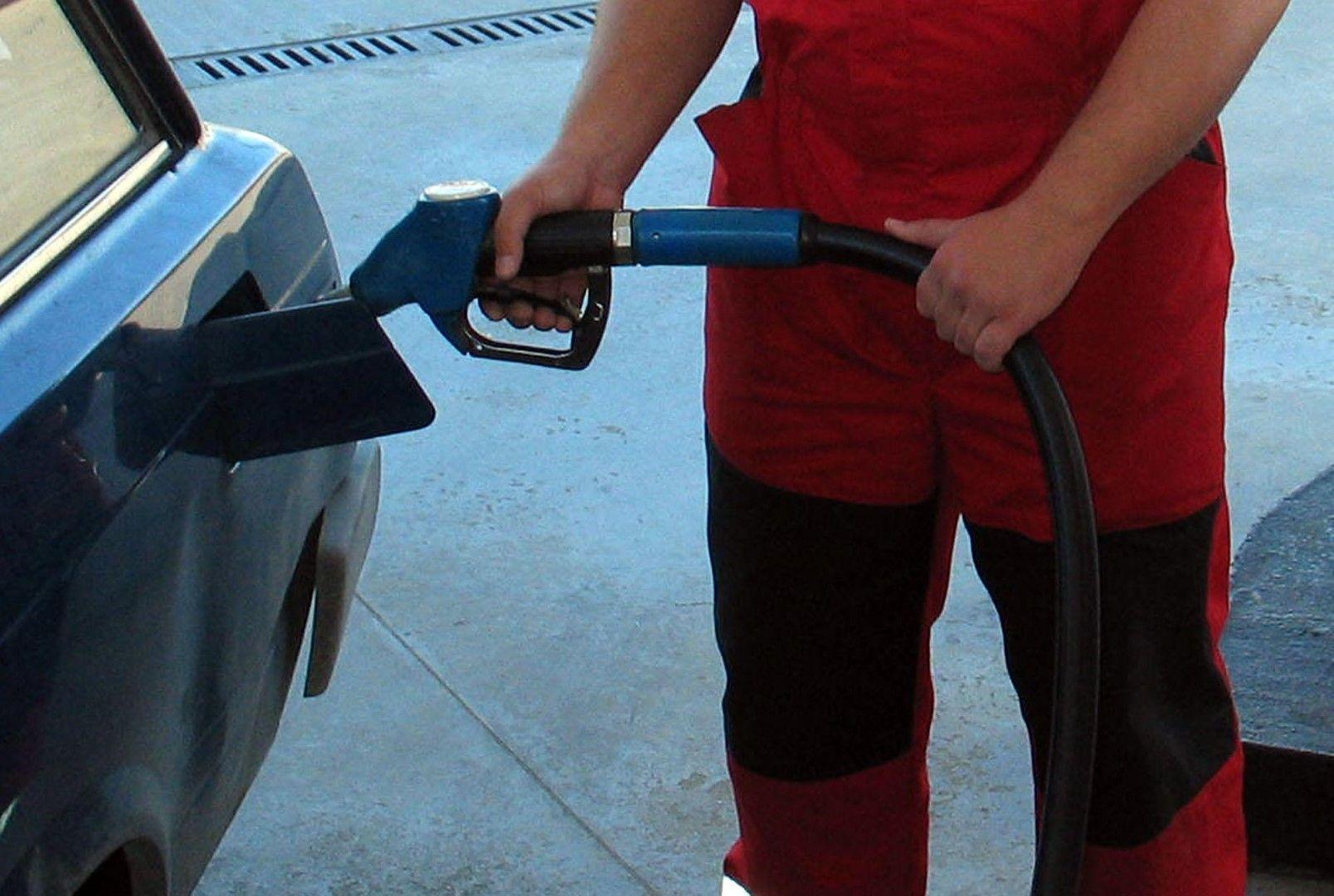 Каква е реалната цена на бензина?