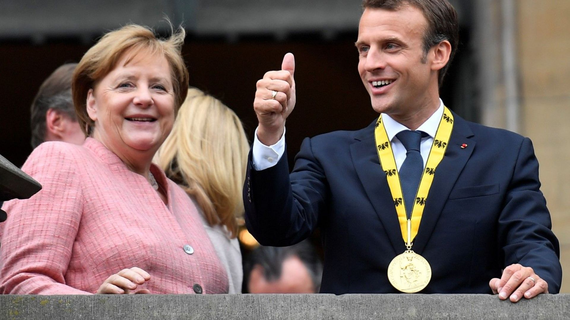 Меркел отряза Макрон за реформа на еврозоната