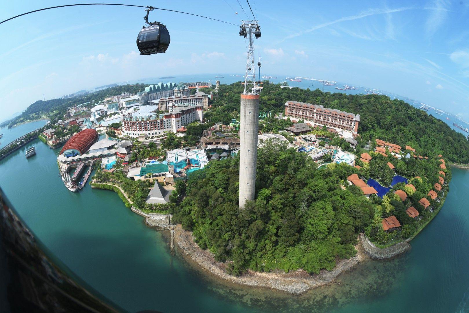 Хотелът може да се разгледа от платформа издигната на височина от 130 метра