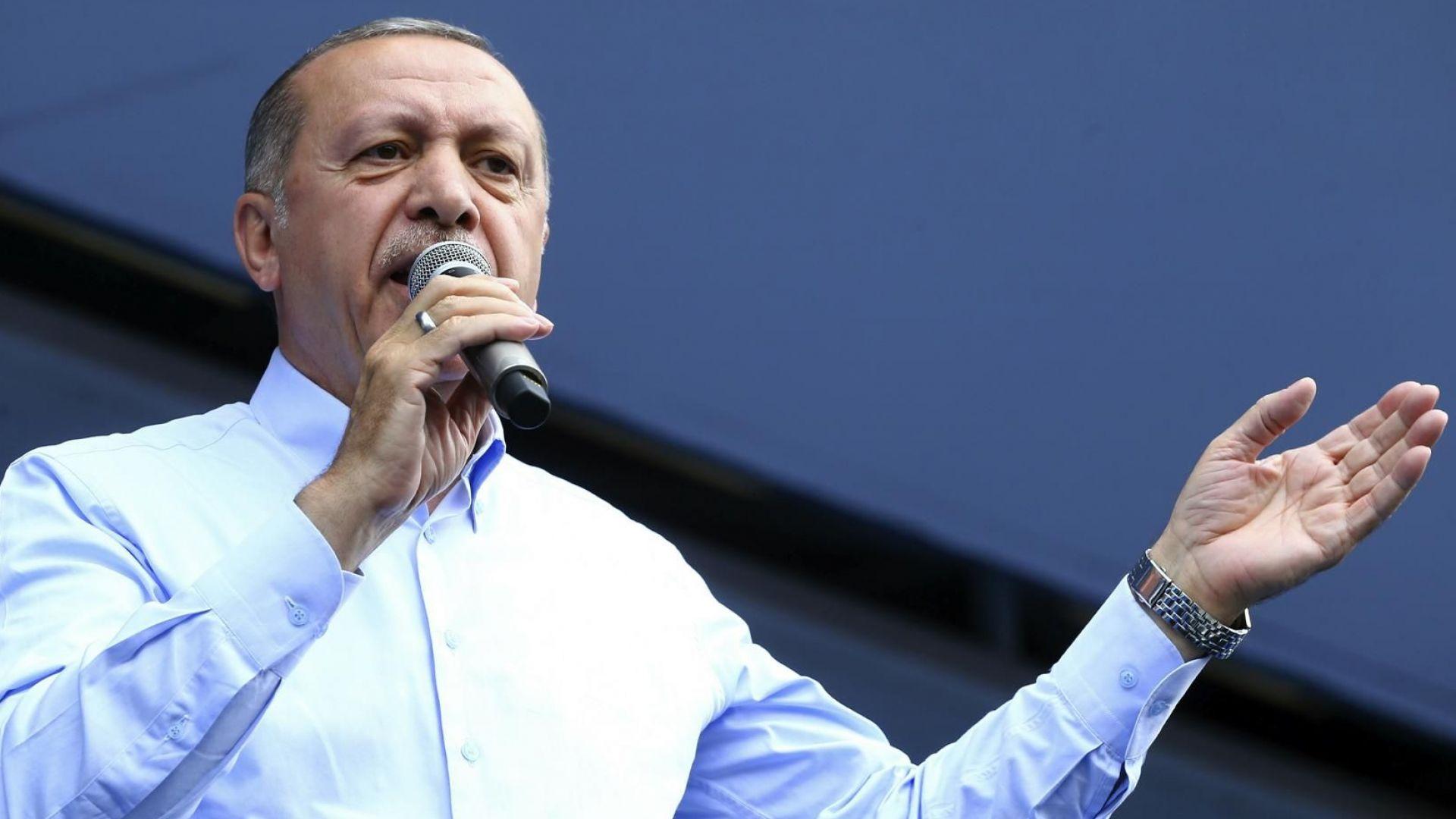 Турция изпадна в икономическа криза и за Ердоган не идват добри дни