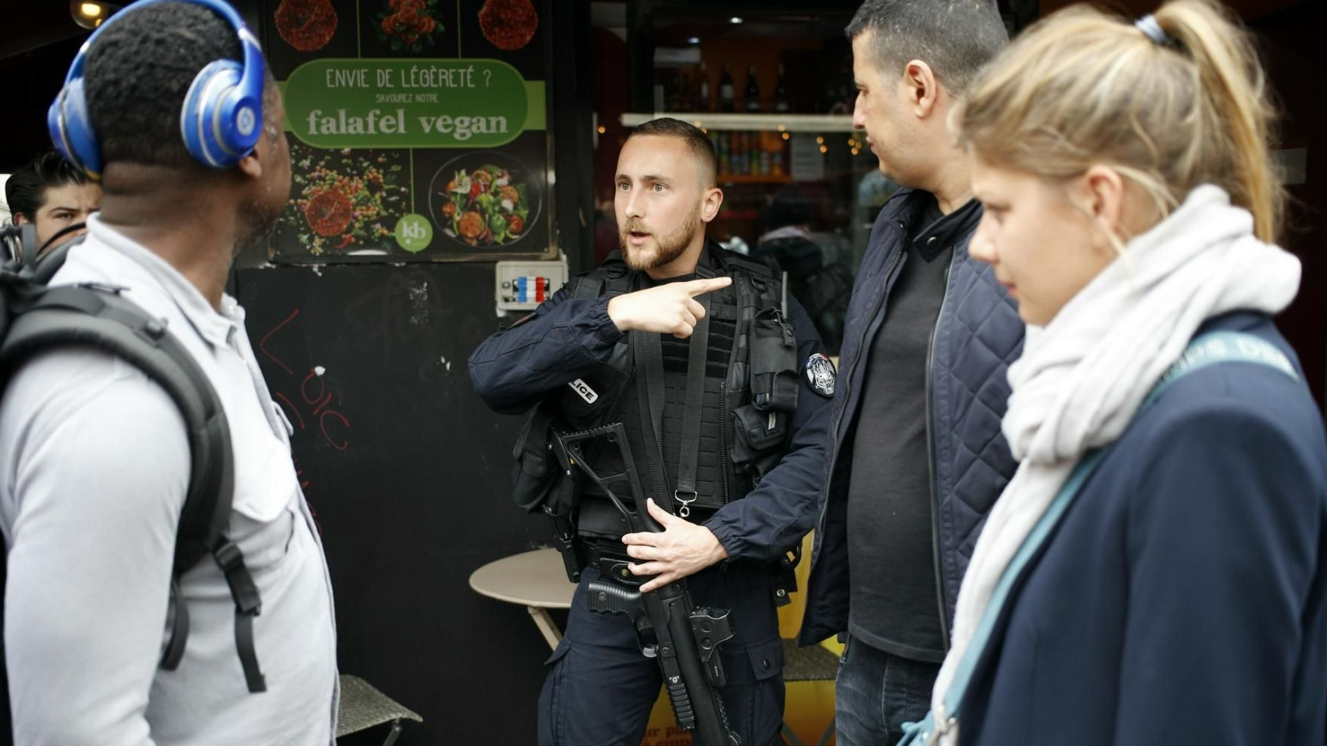 Заложници в Париж