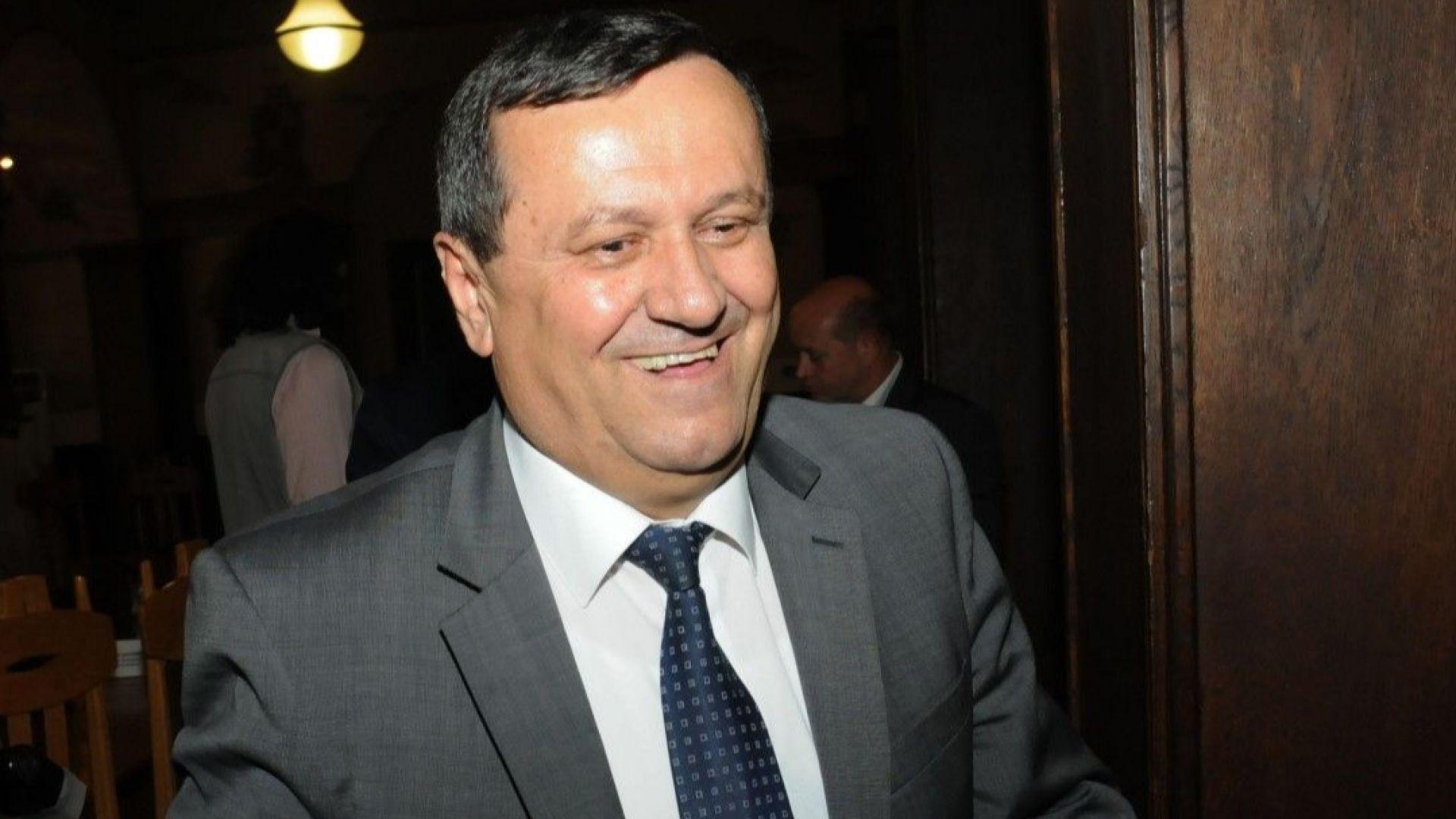 Хасан Адемов: Съдбата на деца с увреждания не може да бъде заложник за главата на министър