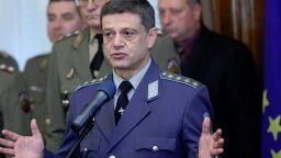 Свикват извънредно Комисията по отбрана в НС след ветото за изтребителите