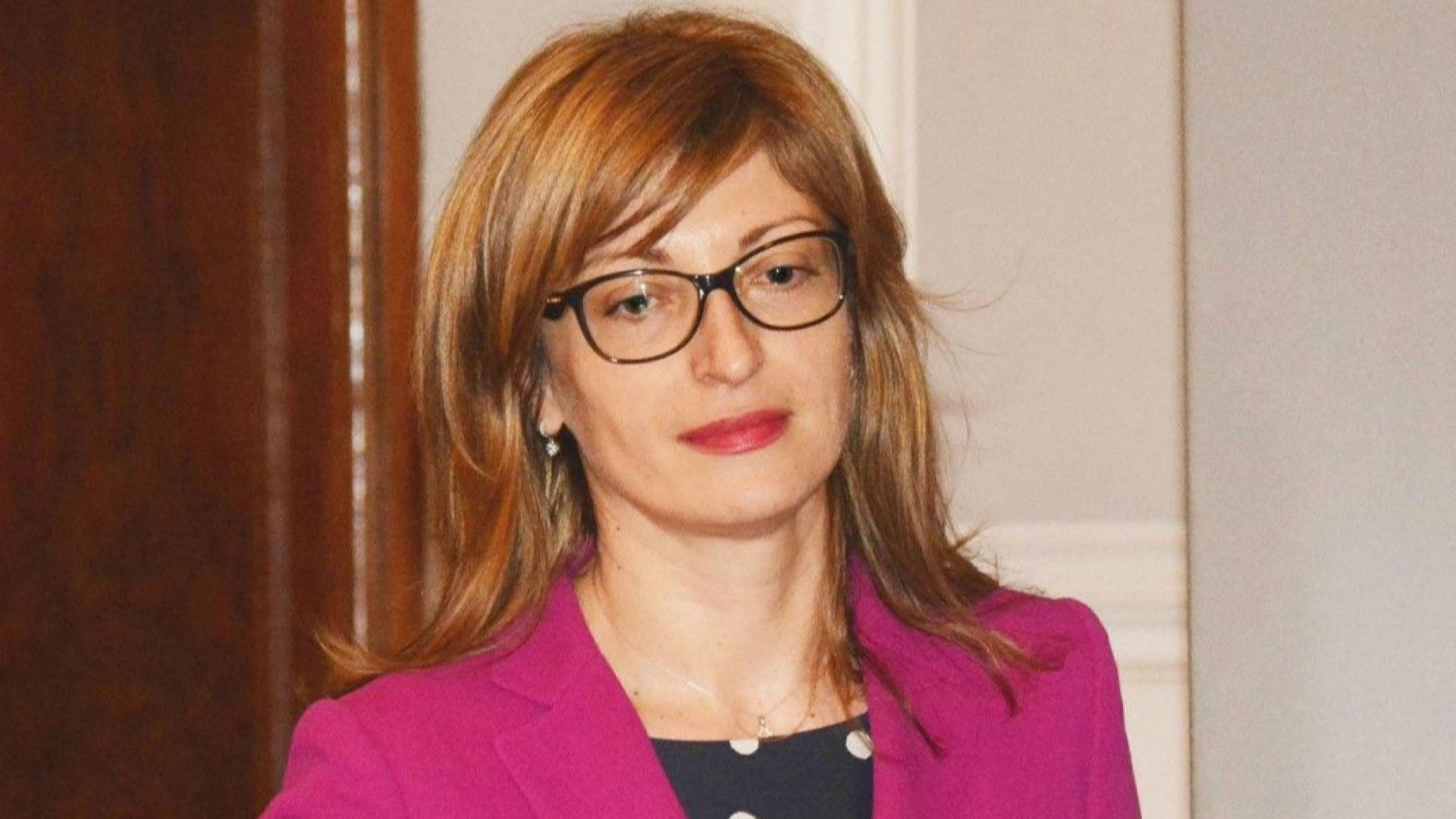 Захариева: Предлагаме утре Македония и Албания да влязат в ЕС