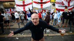 Англия се опасява от хулиганите си в Прага и София, поне 3500 фенове идват у нас